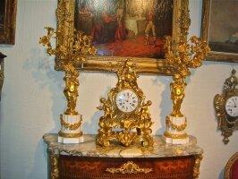 102. Антикварные Часы и два подсвечника. 19 век. Цена 18000 евро