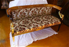 22. Антикварный Гарнитур: диван, кресло, стол. 1850 год. Цена 5000 евро. №2