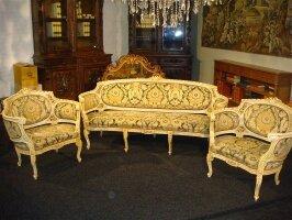 46. Антикварный Комплект мебели - диван, два кресла. Около 1900 года. 198х80х89 см. Цена 4000 евро