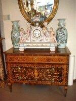 7. Антикварный Комод с маркетри. Около 1800 год. 123x59x91 см. Цена 25000 евро.