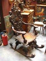 10. Кресло-качалка  антикварное. 19 век. 127x70x80 см. Цена 3200 евро.