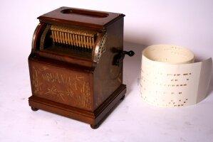 23. Музыкальная машинка. (ORGANINA-1).