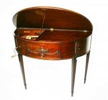 31. Антикварный Музыкальный столик - ВОКАЛИОН. 1920 год. 3000 евро.