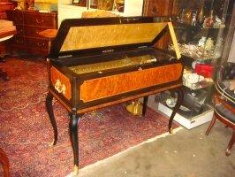 59. Музыкальный кабинет. 72 мелодии. Швейцария. XIX век. 122х52х90 см. Цена 29000 евро