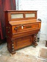 66. Антикварная Редкая музыкальная машина. 4 мелодии. Около 1870 г. 90x50x110 см. Цена 5000 евро