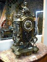 114. Антикварные Каминные часы с канделябрами. 19 век. Высота 70 см. Цена 5000 евро.