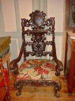 148. Антикварное Кресло с резьбой. Около 1800 год.