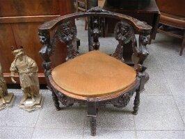 149. Антикварное Кресло угловое. Около 1840 г. 76х67х78 см. Цена 1500 евро.