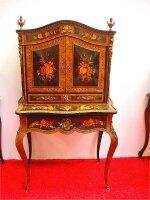 184. Антикварный Письменный кабинет маркетри. 19 век. 140x83x46 см. Цена 3900 евро.