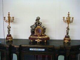 1. Антикварный Каминный гарнитур часы с кандедябрами. 19 век. Цена 7000 евро.