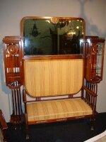 204. Салон - комплект антикварной мебели для гостинной: зеркало, диван, 2 кресла, 4 стула. Около 1900 г. Цена 10000 евро.