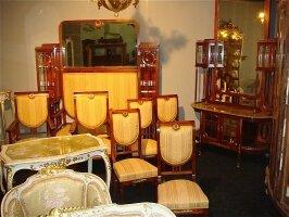 206. Салон - комплект антикварной мебели для гостинной: зеркало, диван, 2 кресла, 4 стула. Около 1900 г. Цена 10000 евро.