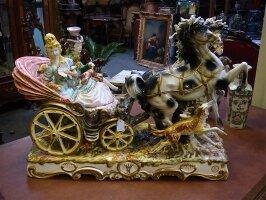221. Антикварная Фарфоровая скульптура - Карета. Около 1900 г. 76x33x60 см. Цена 1500 евро.
