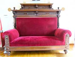 264. Антикварный Диван. Около 1880 года. 175х198х90 см. Цена 3700 евро