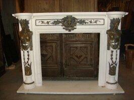 269. Каминный портал. Мрамор, бронза. 20 век. 191х48х138 см. 13000 евро