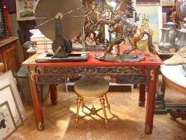 274. Антикварный Китайский письменный стол. Около 1920 года. 129х67х75 см. 2500 евро