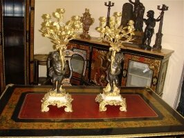 28. Пара антикварных канделябров. 19 век. Высота: 71 см. Цена 6000 евро.