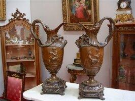 328. Пара Антикварных бронзовых кувшинов. 19 век. Высота 54 см. Цена 3700 евро