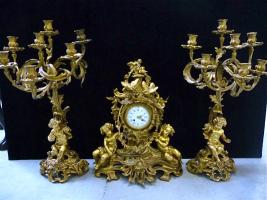 4. Антикварный Каминный гарнитур - каминные часы с канделябрами, бронзовые. 19 век. Цена 11000 евро.