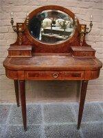 51. Антикварный Туалетный столик. Около 1900 г. 95х52х125 см. Цена 1500 евро.