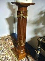 92. Антикварный Деревянный постамент. 19 век. Цена 3000 евро.