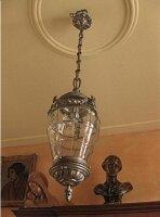48. Люстра в стиле Модерн антикварная. Бронза, фасированное стекло. Высота: 110 см. Плафон: 60 см. Цена 1800 евро