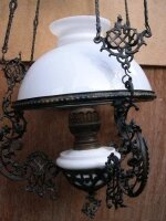 38. Антикварная Люстра - керосиновая лампа. Фигурное литье. Цена 800 евро
