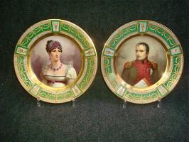27. Пара антикварных тарелок Наполеон и Жозефина. Германия. Около 1900 года. Диамер 24 см. 4000 евро
