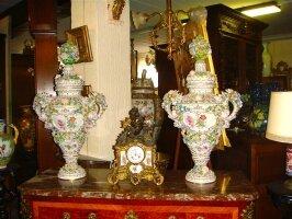 35. Пара антикварных фарфоровых ваз. Германия. Около 1880 года. Высота 84 см. Цена 15000 евро