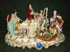 37. Антикварная фарфоровая Скульптура Урок музыки. Германия. Около 1900 года. 33х54,5х37,5 cм. Цена 5500 евро