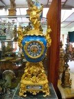 Фарфоровые антикварные часы. 19 век. Роспись, бронза, золочение. Высота 80 см. Цена 7500 евро