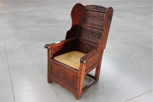 25. Антикварное Кресло. XVIII век.