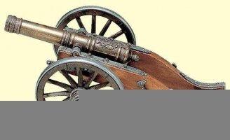 Антикварная модель пушки армии Наполеона. 18 век. 30x15x13 см. Цена 750 евро