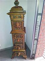 26. Антикварная Печь. 19 век. Высота: 148 см. Цена 2500 евро.