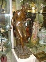 8. Антикварная Бронзовая скульптура. 19 век. Высота: 84 см. Цена 5500 евро.