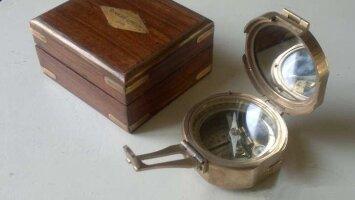 Антикварный компас с футляром. 1841 г. Англия. Фирма - Stanley London