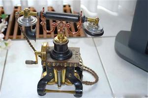 Раритетный телефон Эриксон. Около 1900 г. Цена 1500 евро