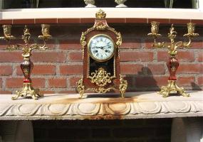 Антикварный Часовой гарнитур в стиле Буль. Около 1867 г. Высота 38 см. Цена 2250 евро