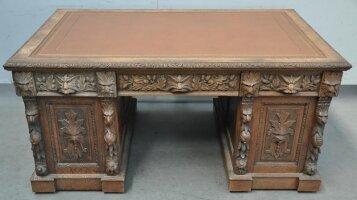 74. Антикварный Письменный стол. 19 век.