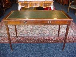 81. Антикварный Письменный стол. Около 1900 г. 120x60x73 см. Цена 2000 евро