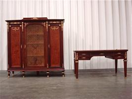 Антикварный Книжный шкаф и письменный стол. Около 1880 года.