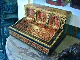 Антикварное Настольное бюро для письма в стиле Буль. 19 век. 35х29х22 см. Цена 2000 евро