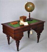 Антикварное Письменное бюро 1880 год. Цена 3500 евро