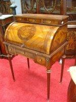 Антикварное Бюро с цилиндрической крышкой. 19 век. 82x48x111 см. Цена 2500 евро