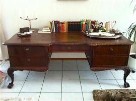 51. Антикварное Письменное бюро в стиле Чиппендейл. 19 век. Цена 3000 евро