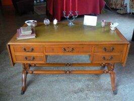 Антикварный Письменный стол. Англия. 19 век. 137-196x77x76 см