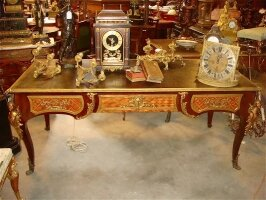 Антикварный Письменный стол с бронзой. 19 век