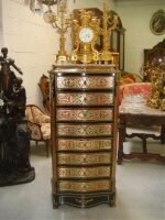 Секретер в стиле Буль. Со встроенным интерьером, и выдвижными ящиками. Около 1860 г. 62x37x135 см. Цена 4500 евро