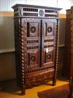 1. Антикарный Бретонский шкаф. 19 век. 105x44x195 см.