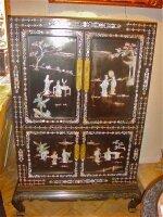 7. Антикарный Китайский шкаф. Около 1930 года. 92x51x192 см. Цена 2000 евро.
